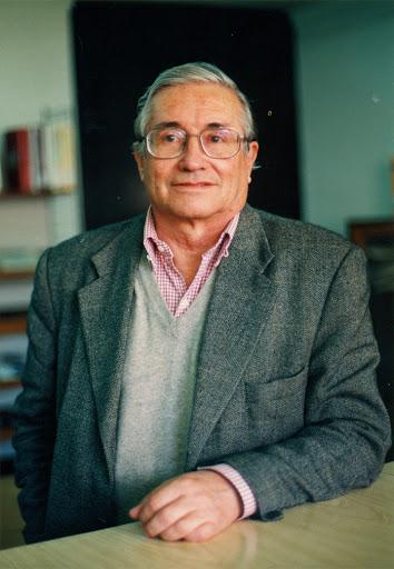 Edgar Kausel es premiado con el Premio Nacional de Ciencias Aplicadas y Tecnológicas.