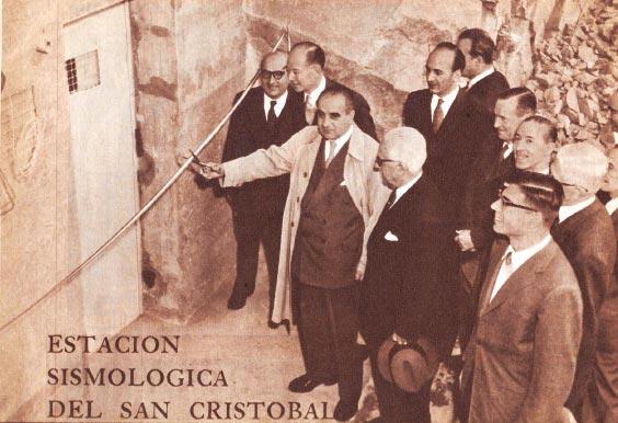Inauguración estación sismológica Cerro San Cristóbal.